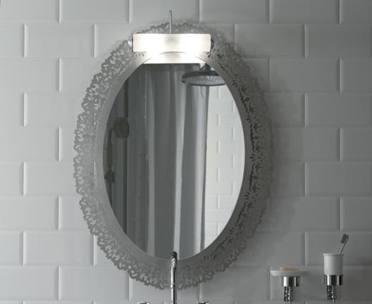 Miroir avec cadre en m tal finition feuille d or ceramica for Miroir cadre metal