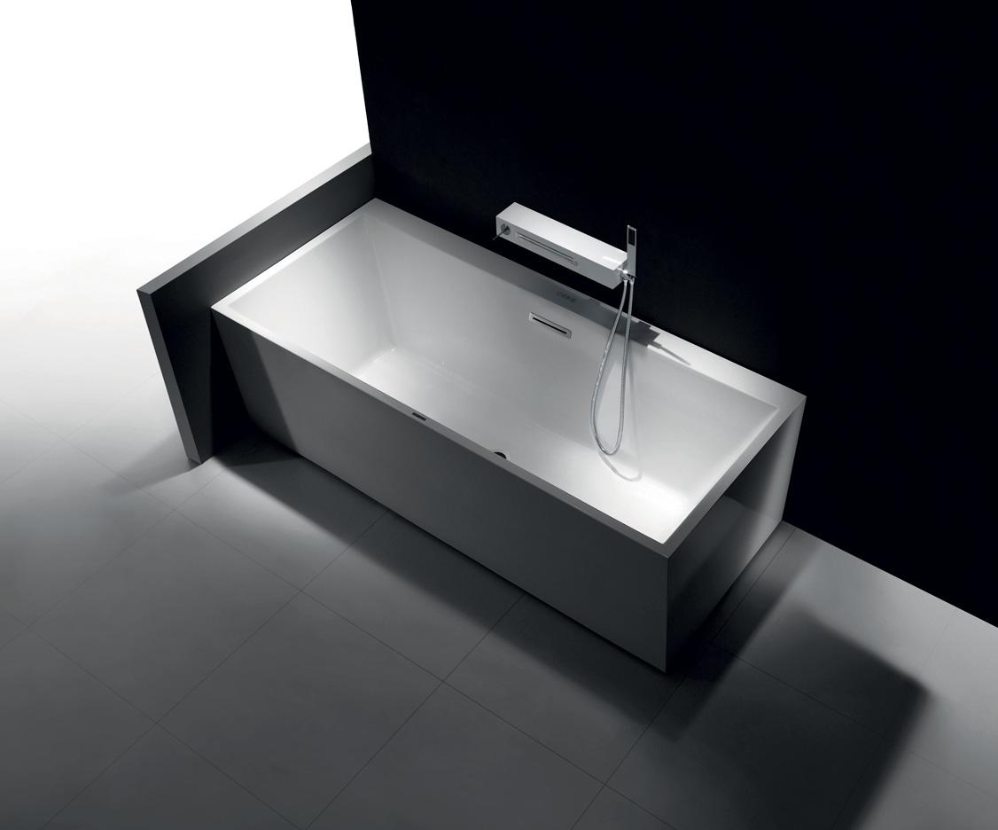 baignoire balneo brico depot un moment de dtente with baignoire balneo brico depot baignoire. Black Bedroom Furniture Sets. Home Design Ideas