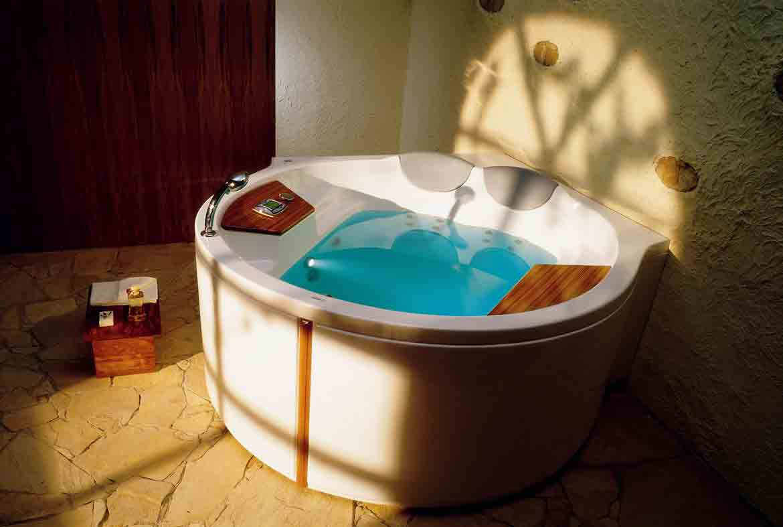 comment entretenir sa baignoire baln o. Black Bedroom Furniture Sets. Home Design Ideas